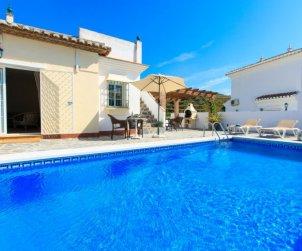 Villa   à Nerja pour 10 personnes avec piscine privée p0