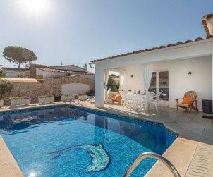 Villa   à Empuriabrava pour 6 personnes avec piscine privée p0