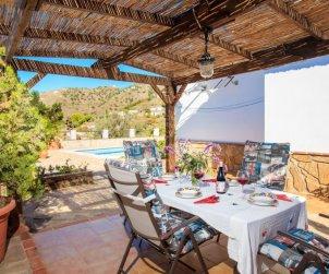 Villa   à Nerja pour 6 personnes avec piscine privée p1