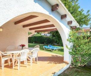 Villa   à Cambrils pour 6 personnes avec piscine commune p2