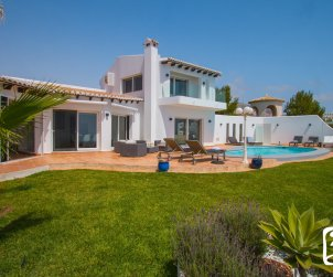 Villa   à Benitachell pour 10 personnes avec piscine privée, vue mer et climatisation p1