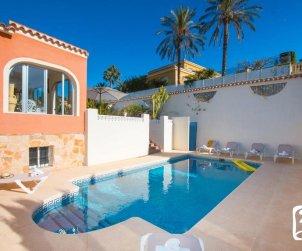 Grande villa   à Calpe pour 16 personnes avec piscine privée et internet p1