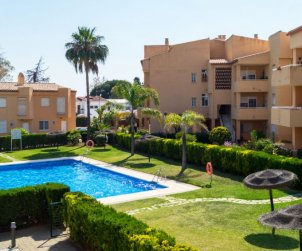 Villa   à Marbella pour 6 personnes avec piscine commune p1