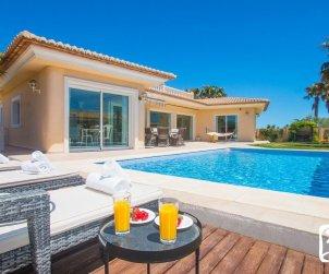 Villa   à Moraira pour 6 personnes avec piscine privée, vue mer et climatisation p0