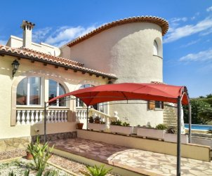 Villa   à Denia pour 12 personnes avec piscine privée p1