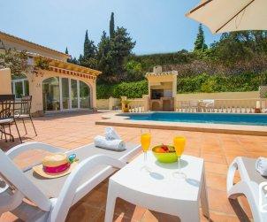 Villa   à Moraira pour 6 personnes avec piscine privée, climatisation et proche mer p2