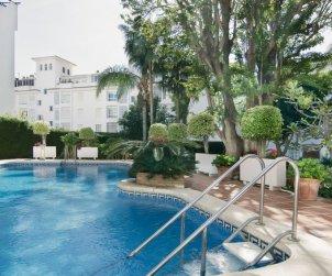Appartement   à Torremolinos pour 8 personnes avec piscine commune p1