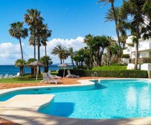Appartement   à Estepona pour 4 personnes avec piscine commune p0
