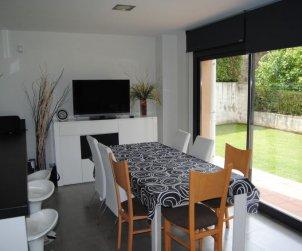 Villa   à Olot pour 7 personnes avec lave-vaisselle p0