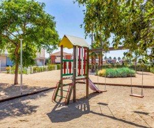Villa   à L'Ampolla pour 6 personnes avec piscine commune p2