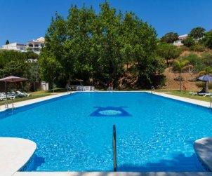 Villa   à Benalmadena pour 6 personnes avec piscine commune p0