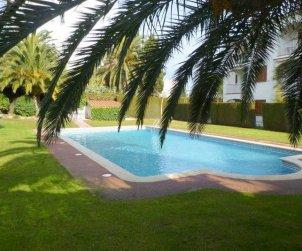 Appartement   à l'Escala pour 6 personnes avec piscine commune, parking et proche mer p0