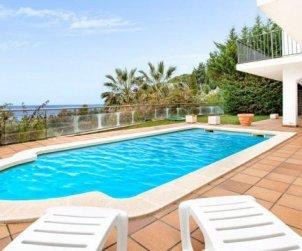 Villa   à Lloret del Mar pour 10 personnes avec piscine privée et belle vue mer p0
