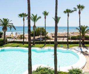 Appartement   à Alcoceber pour 6 personnes avec piscine commune, vue mer et climatisation p0