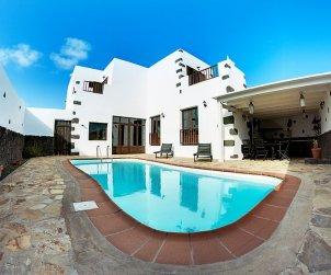 Villa   à Tinajo pour 6 personnes avec piscine privée p0
