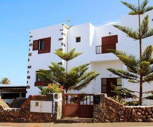 Villa   à Tinajo pour 6 personnes avec piscine privée p1