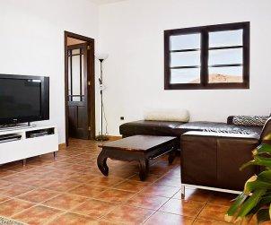 Villa   à Tinajo pour 6 personnes avec piscine privée p2