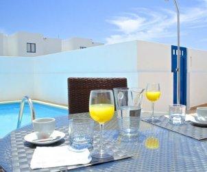 Villa   à Playa Blanca pour 2 personnes avec piscine privée p1