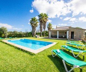 Villa   à Pollença pour 6 personnes avec piscine privée p0