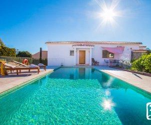 Villa   à Calpe pour 4 personnes avec piscine privée, climatisation et salle de jeux p0