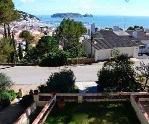Villa   à L'Estartit pour 6 personnes avec piscine commune p2