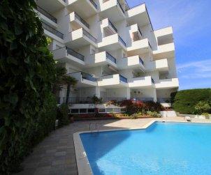Appartement   à l'Escala pour 6 personnes avec piscine commune, vue mer et parking p2