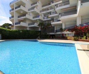 Appartement   à l'Escala pour 6 personnes avec piscine commune, vue mer et parking p1
