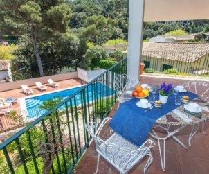 Villa   à Sa Riera pour 6 personnes avec piscine privée p1