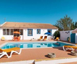 Villa   à Paderne pour 8 personnes avec piscine privée p0