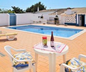 Villa   à Paderne pour 8 personnes avec piscine privée p1