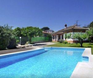 Villa   à Blanes pour 8 personnes avec piscine privée et joli jardin p0