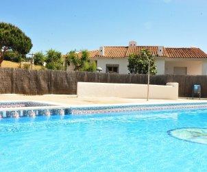 Villa   à Arenys de Mar pour 8 personnes avec piscine commune p2