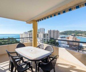 Appartement à Oropesa del Mar pour 8 personnes avec piscine commune et vue latérale mer p0