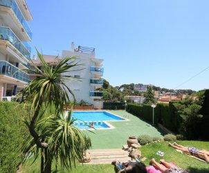 Appartement   à Salou pour 5 personnes avec piscine commune et petite vue mer p2
