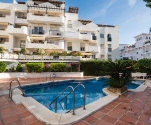 Appartement   à Torremolinos pour 7 personnes avec piscine commune p0