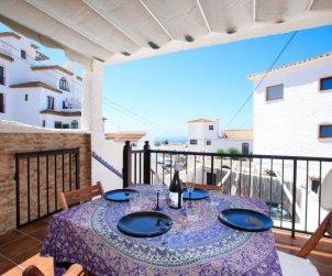 Villa   à Nerja pour 6 personnes avec piscine commune p1