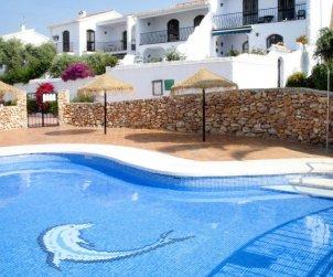 Villa   à Nerja pour 6 personnes avec piscine commune p0