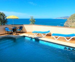 Villa   à Nerja pour 4 personnes avec piscine privée p0