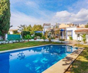 Villa   à Marbella pour 8 personnes avec piscine privée p0