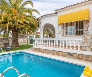 Villa   à Empuriabrava pour 4 personnes avec piscine privée p0