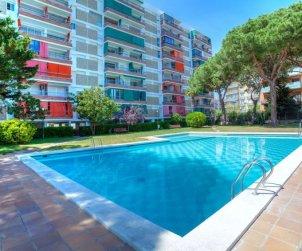 Appartement   à Blanes pour 5 personnes avec piscine commune p0