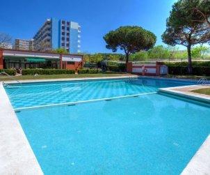 Appartement   à Blanes pour 5 personnes avec piscine commune p2
