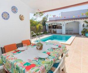 Villa   à Cunit pour 6 personnes avec piscine privée p1
