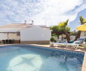Villa   à Deltebre  -  Riumar pour 9 personnes avec piscine privée p0