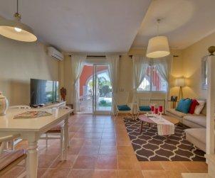 Villa   à Denia pour 6 personnes avec piscine commune p2