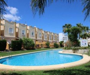 Villa   à Denia pour 6 personnes avec piscine commune p0