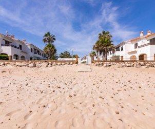 Villa   à Denia pour 5 personnes avec piscine commune p1