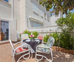 Villa   à Cunit pour 7 personnes avec piscine commune p1