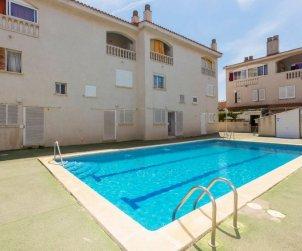 Villa   à Cunit pour 7 personnes avec piscine commune p2