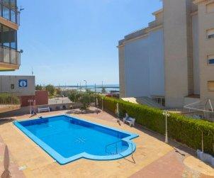 Villa   à Cunit pour 4 personnes avec piscine commune p0